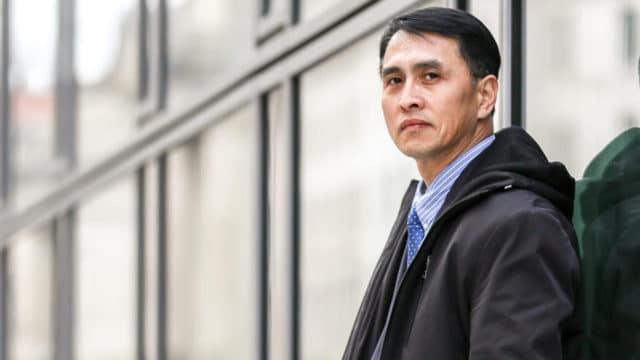 """<b>מר יו מינג  </b> בוושינגטון ב-19 בפברואר 2019. בינואר 2019 לאחר שהיה כלוא במשך 12 שנים ועונה כמעט למוות במחנות עבודה בכפייה בסין בשל אמונתו בפאלון גונג, מר יו מינג הגיע לארה""""ב להצטרף לאשתו ובתו בסיועה של ממשלת ארה""""ב."""